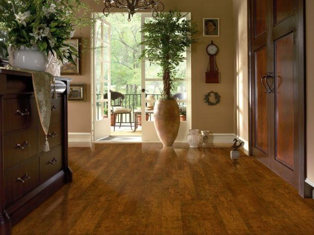 If You Re A Diyer You May Be Interested In Installing Your Cherry Laminate Floor Yourself See The Diy Laminate Flooring Page For More Information On How